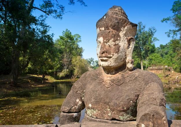 Near north gate angkor thom, siem reap, cambodja Premium Foto