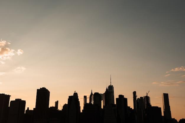 New york stadsgezicht bij zonsondergang Gratis Foto
