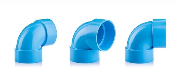 Nieuwe blauwe pvc-connector voor waterpijp geïsoleerd op wit Premium Foto