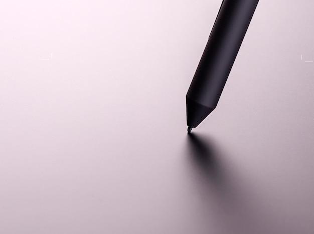 Nieuwe grafische tablet met het zwarte potlood Premium Foto