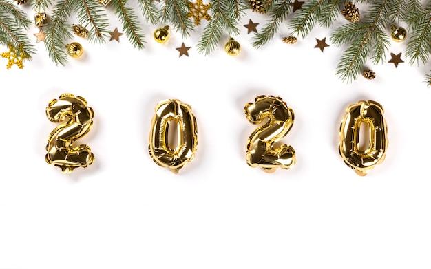 Nieuwjaar plat lag samenstelling. folie ballonnen 2020. Premium Foto