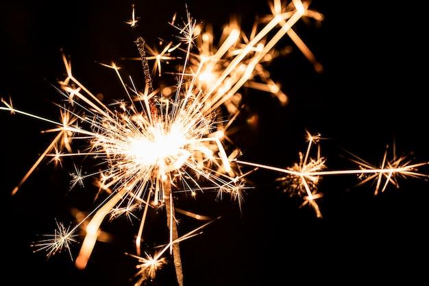 Nieuwjaarsfeestjubileum met vuurwerk Gratis Foto