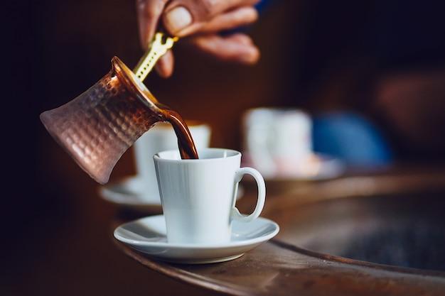 Ochtend met turks koffiebrouwen Gratis Foto