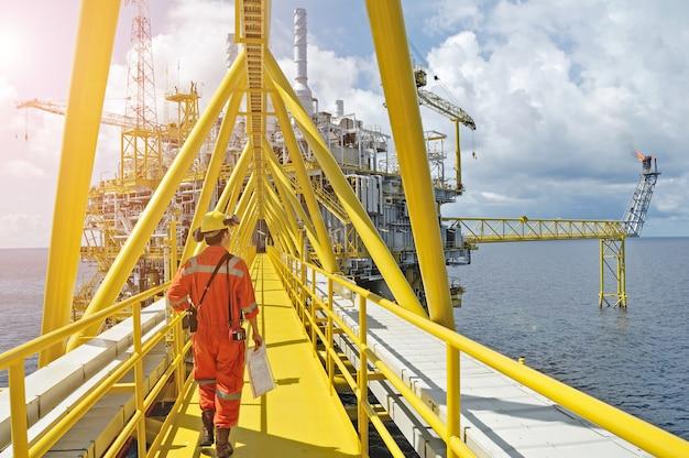 Olie- en gasplatform of bouwplatform Premium Foto