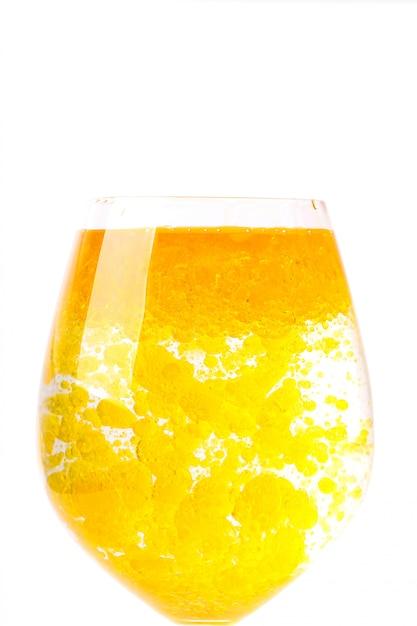 Olijfolie in glas water Gratis Foto