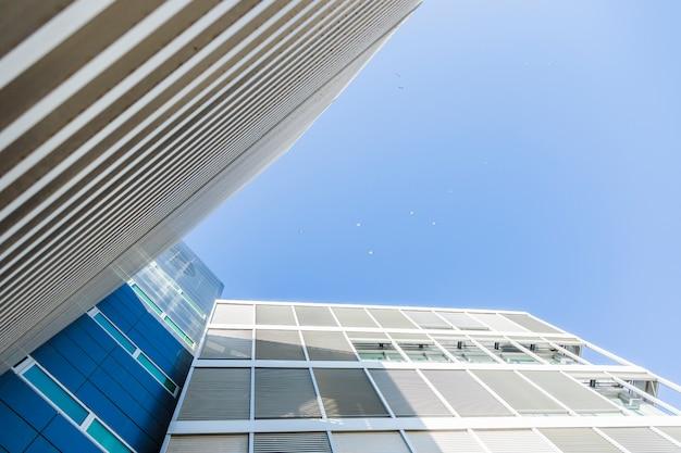 Onderaanzicht van gebouw Gratis Foto