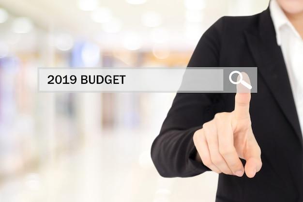 Onderneemsterhand wat betreft de begroting van 2019 op onderzoeksbar over de achtergrond van het onduidelijk beeldbureau Premium Foto