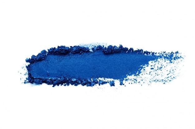 Oogschaduwsteekproef op witte achtergrond wordt geïsoleerd die. kleur van het jaar 2020 classic blue. Premium Foto