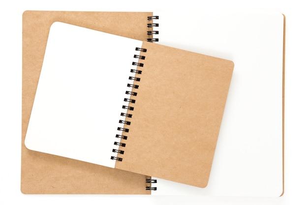 Open gerecycled notitieboekje met ringband Premium Foto