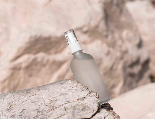 Opstelling van de fles van het huidschoonheidsproduct Gratis Foto