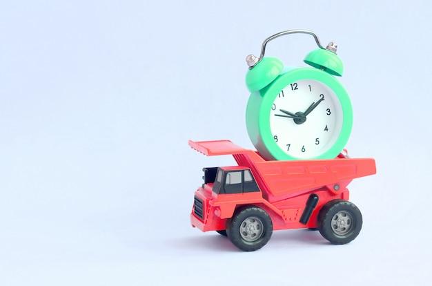 Optimalisatie en rationeel tijdbeheer. delegatie van werk in het bedrijfsleven Premium Foto