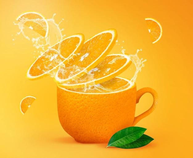 Oranje thee spatten creatief concept voor poster, flyer, banner Premium Foto