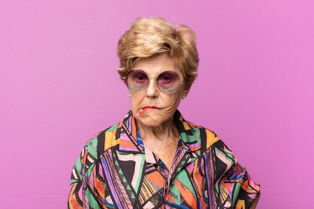 Oud mooi vrouwenportret Premium Foto
