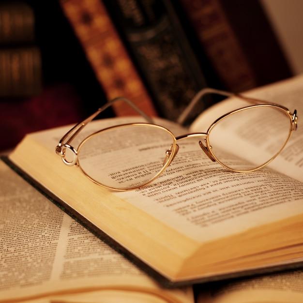 Oude boeken Premium Foto