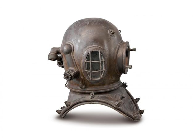 Oude diepzee duiken metalen helm geïsoleerd op wit Premium Foto