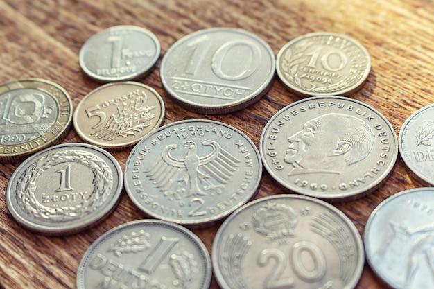 Oude europa munten close-up Premium Foto