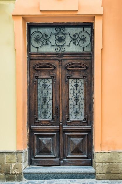 Oude houten deur Premium Foto