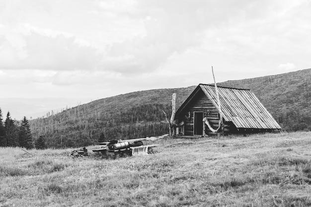 Oude hut in de bergen, polen Gratis Foto