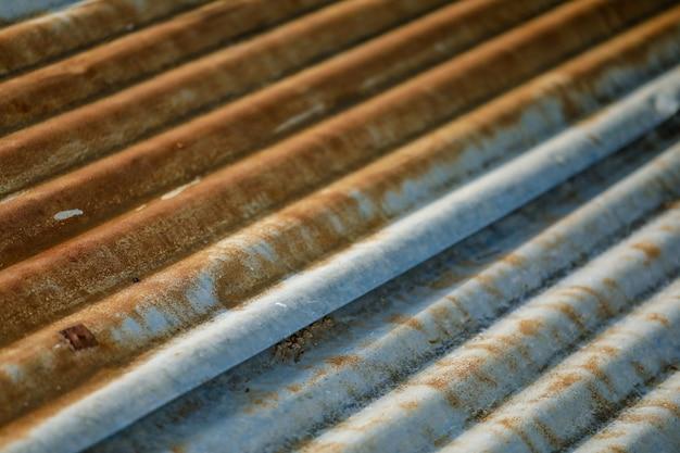 Oude metalen plaat dak textuur Premium Foto