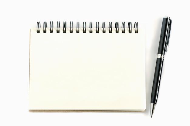 Oude papier notitieblok rechter pagina met pen Gratis Foto