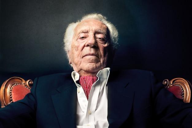 Oude rijke man Premium Foto
