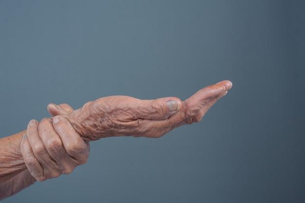 Oudere vrouwen met pijn. Gratis Foto