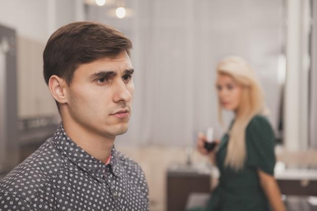 Paar dat relatieproblemen heeft Premium Foto