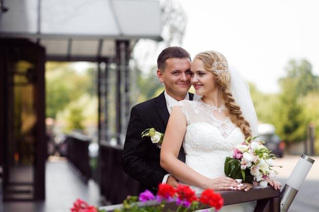 Paar fotoshoot op de trouwdag Gratis Foto