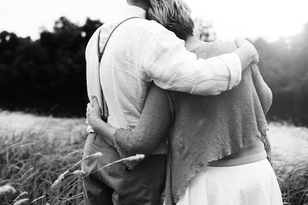 Paar vrouw man dating ontspanning liefde concept Premium Foto