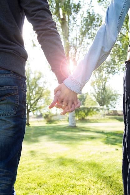 Paarbruid vrouwen ondersteunen flirten Gratis Foto
