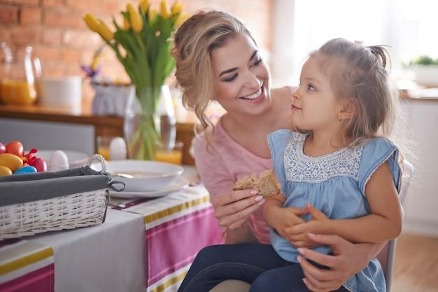 Paasontbijt met mijn dochtertje Gratis Foto