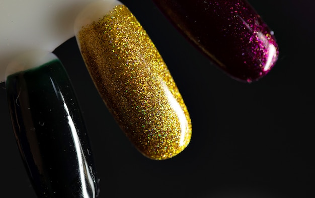 Palet met stalen nagellak. verzameling van vernismonsters voor manicure. Premium Foto