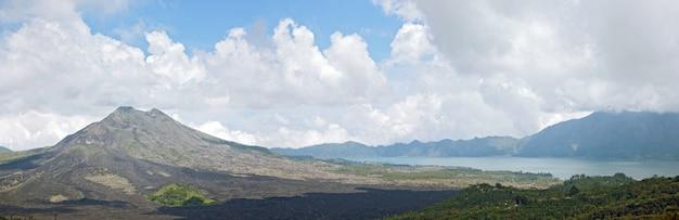 Panorama van batur-vulkaanlandschap Premium Foto