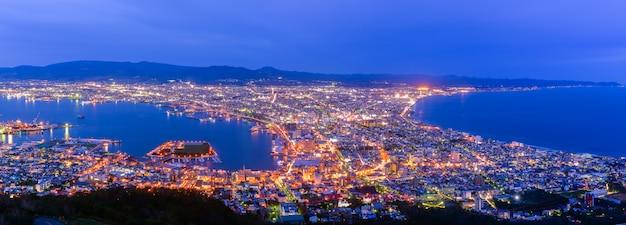 Panorama van de stad hakodate uitzicht vanaf berg hakodate Premium Foto