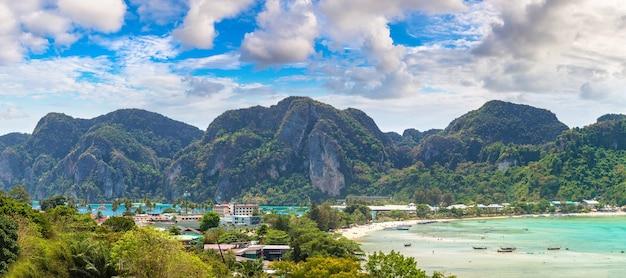 Panorama van phi phi don-eiland Premium Foto