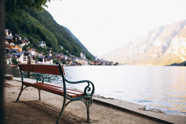 Panoramisch uitzicht op het meer en de bergen Gratis Foto
