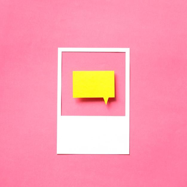Papier ambachtelijke kunst van spraak bubbel pictogram Premium Foto