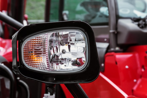 Parkeerlichten en koplampen op de tractor Premium Foto