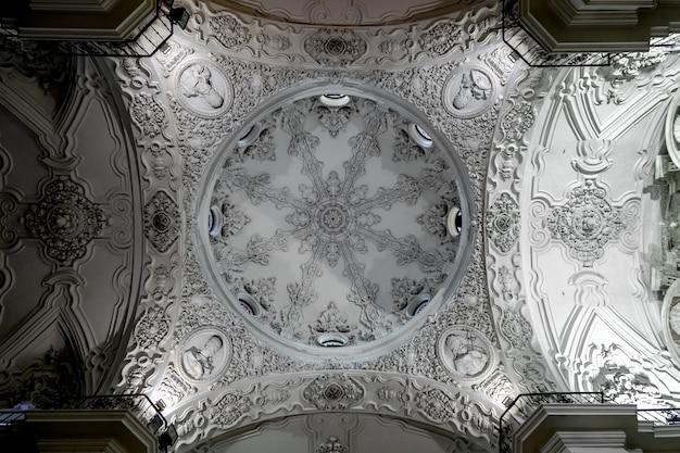 Parochiekerk van santa cruz, cadiz, spanje Premium Foto