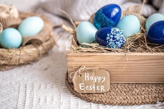 Pasen-stilleven met blauwe eieren, vakantiedecor. Gratis Foto