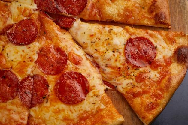 Pepperoni pizza Gratis Foto