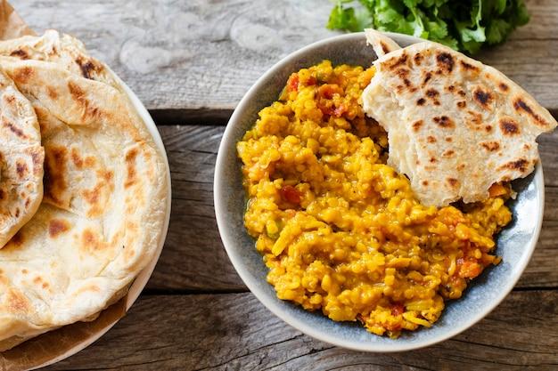 Pita en pittig indisch eten Gratis Foto