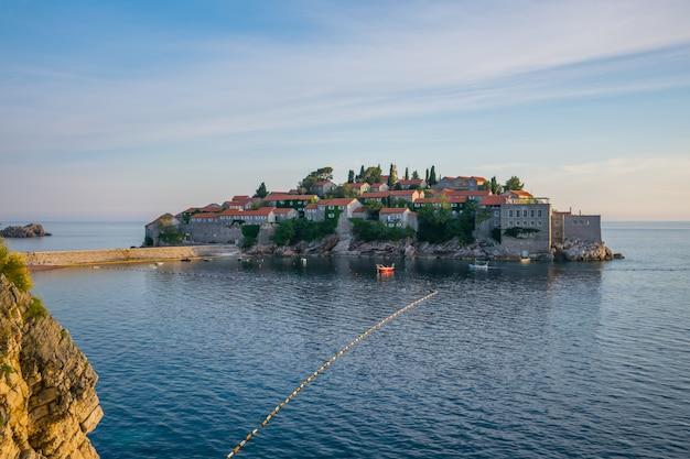 Pittoresk eilandje st. stephen in de adriatische zee. Premium Foto