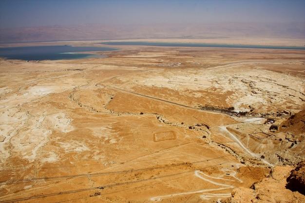 Pittoreske oude bergen over de dode zee Premium Foto