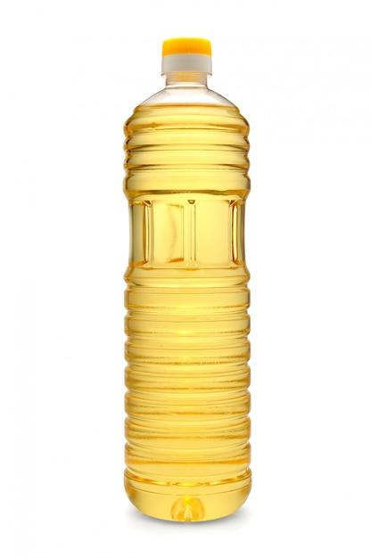 Plastic fles zonnebloemolie die op wit wordt geïsoleerd Premium Foto