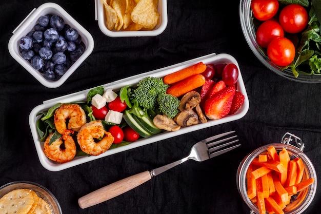 Plat lag groenten en fruit regeling Gratis Foto