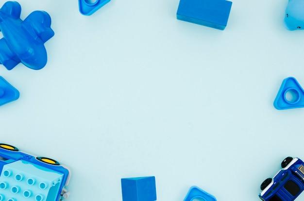 Plat lag kinderen speelgoed met kopie ruimte Gratis Foto