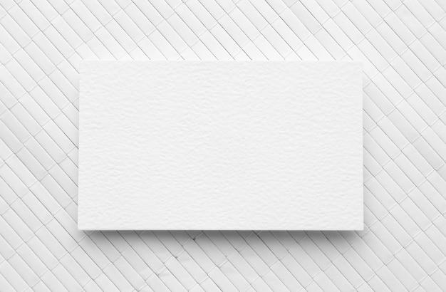 Plat lag kopie ruimte visitekaartje op witte achtergrond Premium Foto