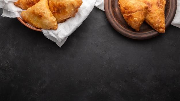 Plat lag voedsel frame met kopie-ruimte Gratis Foto