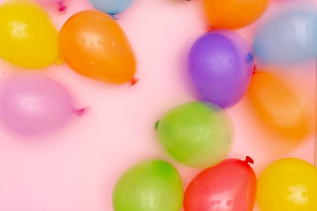 Plat lag wazig ballonnen regeling Gratis Foto